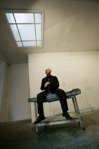 Hans Vandekerckhove in zijn atelier