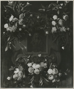 Cartouche met bloemguirlandes rond het portret van koning-stadhouder Willem III (1650-1702)