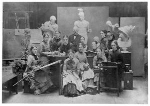 Damesklas uit 1880 met de directeur J.Ph. Koelman