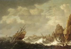 Koopvaardijschip en andere zeilschepen op stormachtige zee, bij een rotsachtige kust