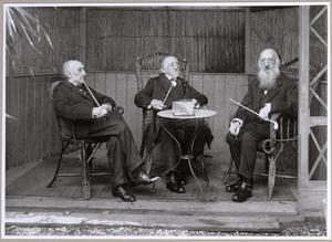 Portret van Willem Hendrik (1831-1919), Henricus Gerardus (1838-1923) en Julius Jacobus van de Sande Bakhuyzen (1835-1925)