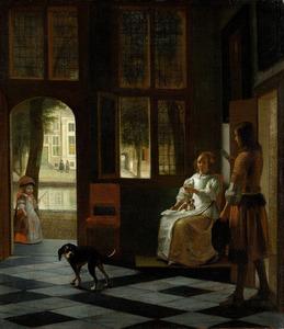 Jonge vrouw met brief en een bode in een voorhuis
