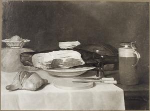 Stilleven met een ham, kaas, brood en een bierpul
