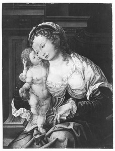 Maria met kind staande op schoot