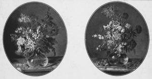 Twee stillevens van een glazen vaas met bloemen