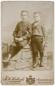 Portret van Nicolaas Arelis Jacobus van Marion (1884-1958) en Ary Arelis van Marion (1888-1923)