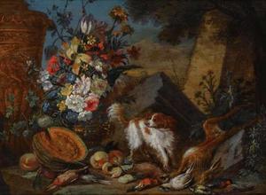 Stilleven met bloemen, fruit, jachtbuit en een hond