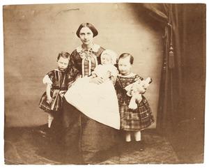 Portret van Maria Johanna de Monchy (1834-1890) en drie van haar kinderen