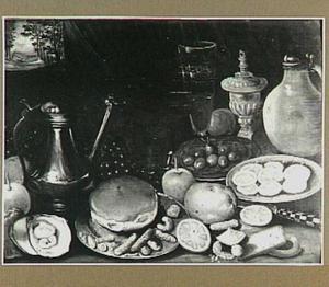 Stilleven met Jan Steen-kan, brood, citrusvruchten en olijven; links in de achtergrond een doorkijk naar een paar op een landweg
