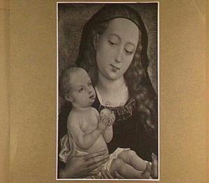 Maria met kind, dat een appel in de handen houdt