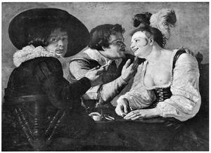 Prostituée met twee jonge mannen rond een tafel