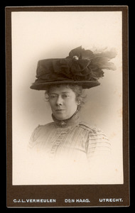 Portret van Susanna (Suze) Robertson (1855-1922)