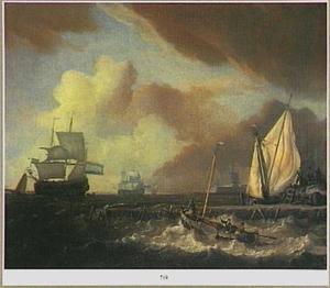 Schepen varen uit in stormachtig weer