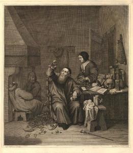 Interieur met een vrouw bij een dokter die een fles urine bekijkt