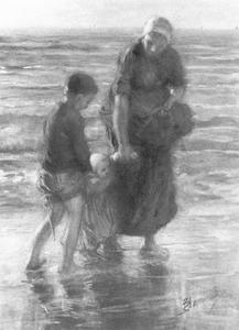 Moeder en kinderen op het strand
