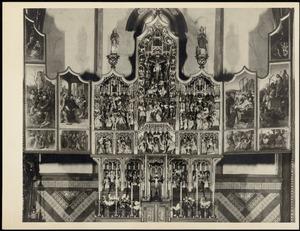 Christus verschijning aan zijn moeder, Gethsemane, Pilatus wast zijn handen in onschuld, Jozef wordt gekozen als echtgenoot voor Maria, het huwelijk tussen Maria en Jozef (binnenzijde linkerluik); De annunciatie, de aanbidding, de Boom van Jesse, de besnijdenis, de presentatie in de tempel, de kruisdraging, de kruisiging, de kruisafneming (middendeel); De graflegging, Christus in limbo, de verrijzenis, de kindermoord, de vlucht naar Egypte (binnenzijde rechterluik); Het martelaarschap van de H. Agatha (predella)