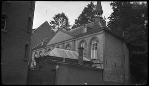 Neo-classicistische vleugel (koetshuis) van het voormalige landhuis Aalbeek in Aalbeek