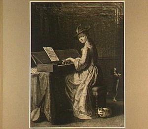 Musicerende vrouw aan virginaal in een interieur