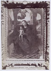 Tronende Maria met kind in een loggia