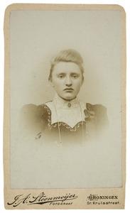 Portret van Trientje Hazenberg (1883-1957)
