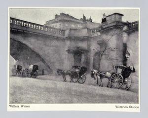Wachtende rijtuigen bij Waterloo bridge