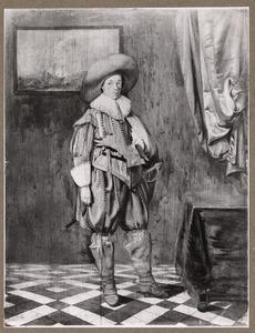 Portret van een jongeman, staande ten voeten uit