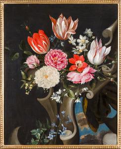 Rozen, tulpen en andere bloemen voor een gebeeldhouwde cartouche