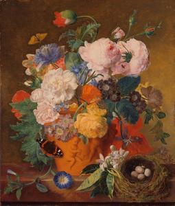 Rozen en andere bloemen in een terracotta vaas