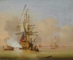 Engels oorlogschip geeft saluutschot te midden van andere kleine schepen