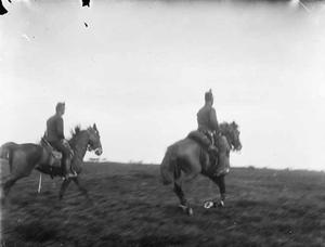 Gezicht militairen te paard