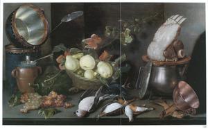 Keukenstilleven met vaatwerk, fruit, dood gevogelte en een ribstuk