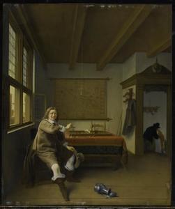 Man met een leeg glas ondersteboven in de hand in een interieur, een amoureus paar in de deuropening