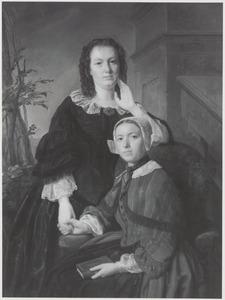 Portret van Paulina Maria Bisdom (1840-1923) en Aaltje van Zijll