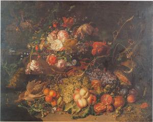 Bloemen en vruchten in een bos