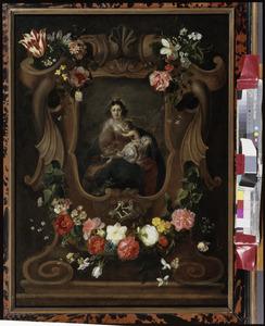 Gebeeldhouwde cartouche versierd met bloemen rondom een voorstelling van Maria met kind en de jonge Johannes de Doper