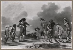 Groep jonge mannen die buiten kegelen met de zee op de achtergrond