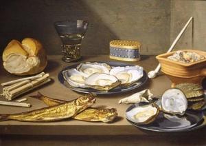 Stilleven met haring, oesters en rookgerei