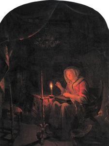 Jonge vrouw handwerkend bij kaarslicht in een interieur