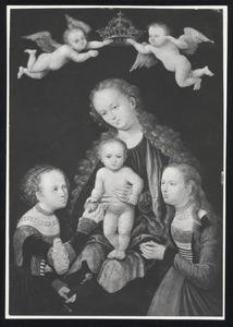 Maria met kind, gekroond door twee engelen en omringd door heiligen