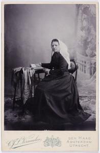 Portret van Johanna van der Cingel (1860-1952)