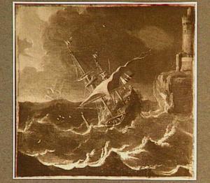 Schipbreuk in het zicht van de kust; links op de achtergrond een klif met een versterkte toren
