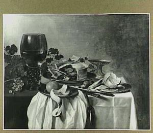 Stilleven met roemer en pastei