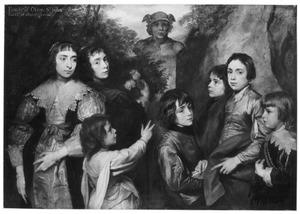 Groepsportret van zeven onbekende kinderen rond een standbeeld van Mercurius