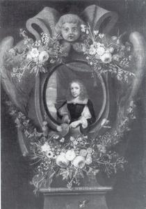 Portret van een man in een bloemenkrans