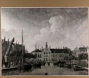 De Bierkade en het Groenewegje in Den Haag gezien naar het Spui