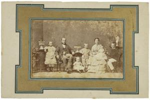 Portret van Marius Kuipers (1832-1895), Anna Ens (1833-1893) en hun kinderen