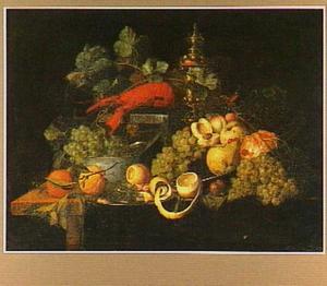 Vruchtenstilleven met krab, garnalen en een wijnglas