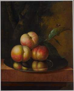 Drie perziken op een tinnen bord