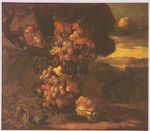 Vruchtenfestoen in een boom in een zuidelijk landschap