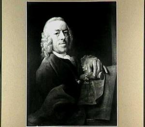 Zelfportret met in zijn hand het insigne van de Haagse sociëteit Pictura